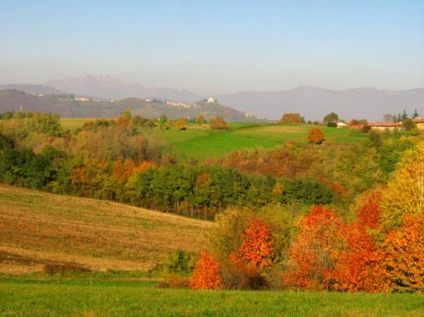 Visuale su Montevecchia e il Parco del Curone